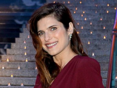 Photos: Actress Lake Bell Is Pregnant