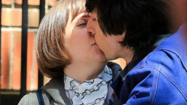 Lena Dunham Gets a Kiss on Girls