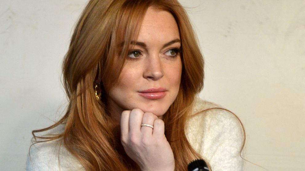 PHOTO: Lindsay Lohan speaks at a press conference at the Social Film Loft in Park City, Utah