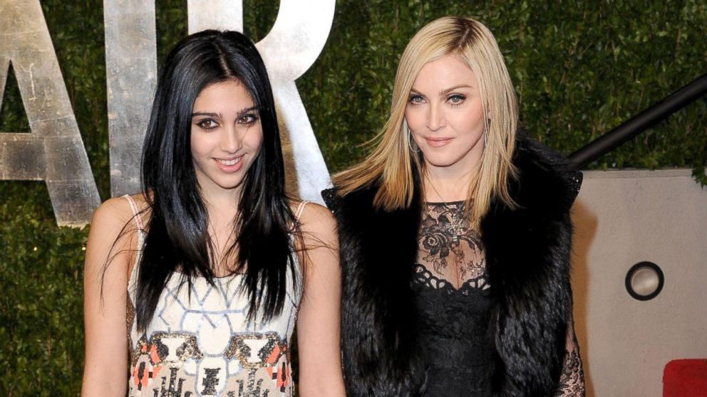 PHOTO: Lourdes Leon, left, and Madonna arrive at the Vanity Fair Oscar party hosted by Graydon Carter on Feb. 27, 2011 in West Hollywood, Calif.
