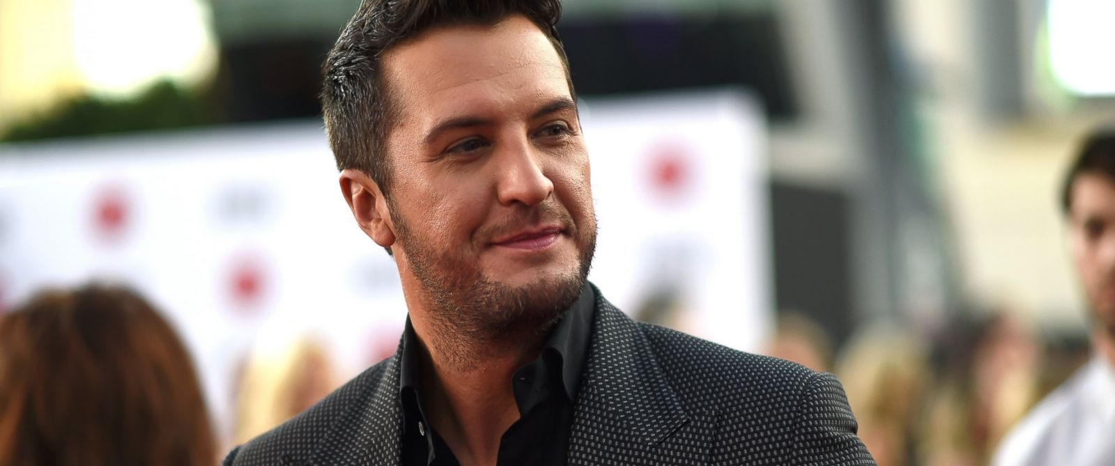 Luke Bryan Cancels Cmt Appearance After Death In The
