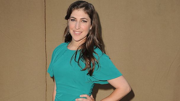 GTY mayim bialik jef 130809 16x9 608 Mayim Bialik: Sons Are Doing Well, Post Divorce
