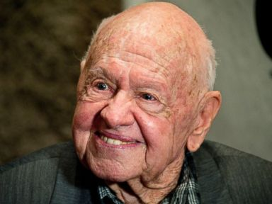 Hollywood Funeral for Mickey Rooney Set After Dispute Settled