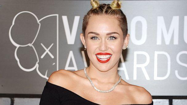 Miley Cyrus on  SNL   Live Miley Cyrus