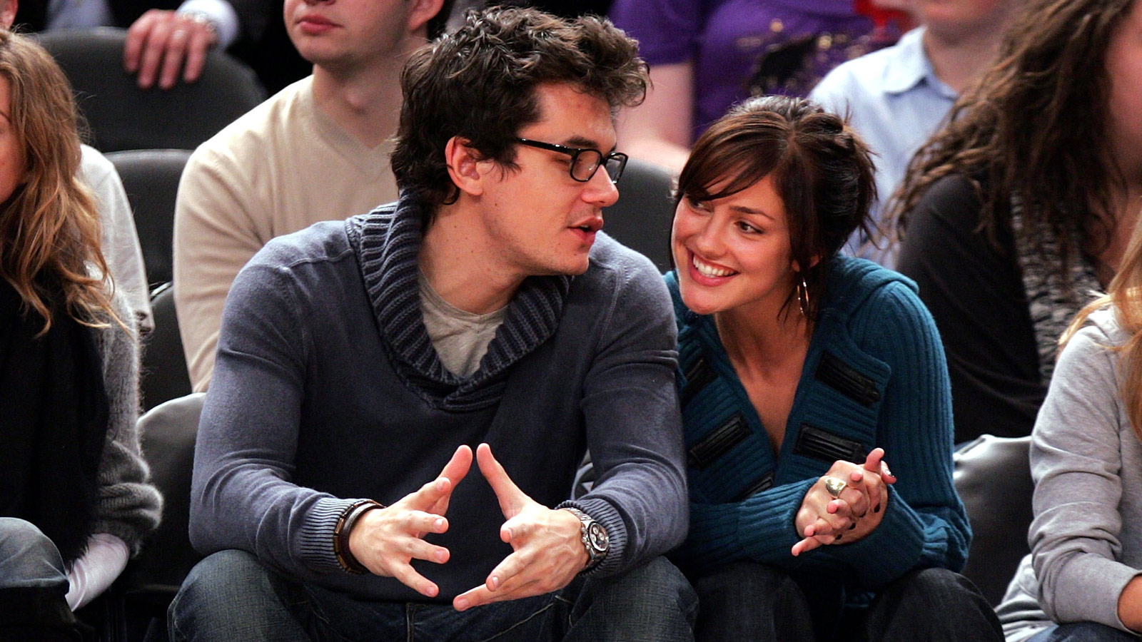 PHOTO: Musician John Mayer and actress Minka Kelly attend NY Knicks vs Miami Heat game at Madison Square Garden in New York City on Nov. 11, 2007.