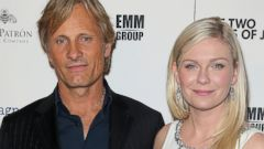 Viggo Mortenson and Kirsten Dunst Strike a Pose