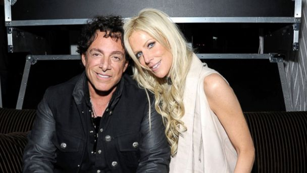 GTY neal schon michaele salahi nt 131126 16x9 608 Neal Schon, Michaele Salahi Plan Pay Per View Wedding