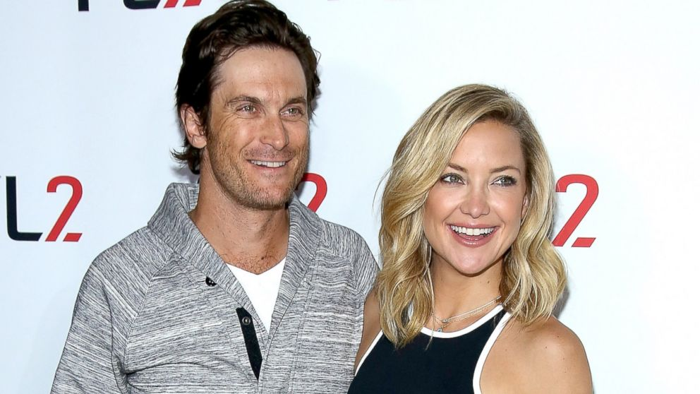 kate hudson s brother oliver hudson reconciles with their estranged