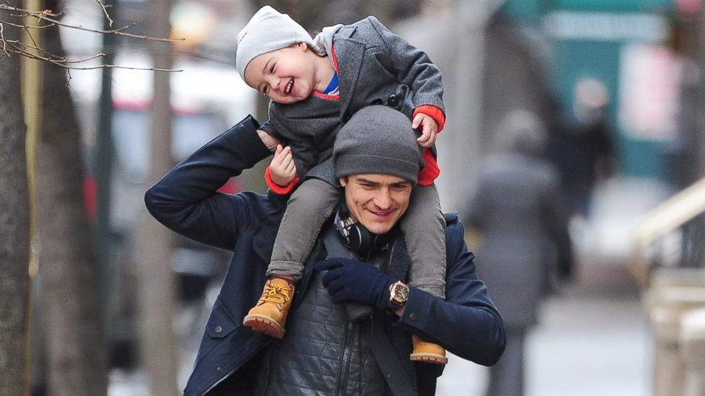 PHOTO: Orlando Bloom and Flynn Christopher Bloom are seen in Midtown on Dec. 19, 2013 in New York City.