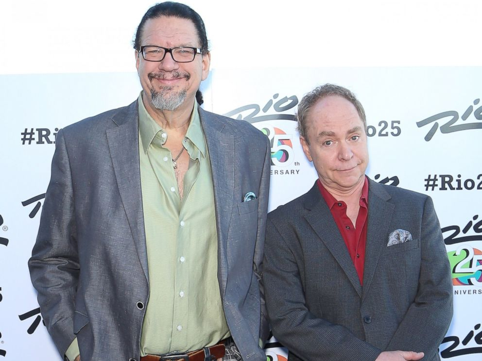 PHOTO: Penn Jillette and Teller of the comedy/magic team Penn & Teller arrive at the Voodoo Lounge at the Rio Hotel & Casino during the resorts silver anniversary celebration, Jan. 14, 2015, in Las Vegas.