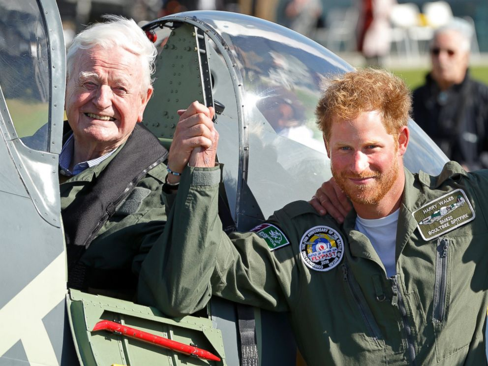 See Prince Harry's Christmas Card Photo - ABC News