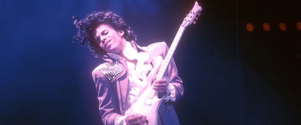 PHOTO: Prince performs live at the Fabulous Forum, Feb. 19, 1985, in Inglewood, Calif.