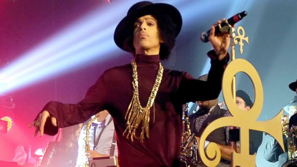 PHOTO: Prince performs onstage at The Hollywood Palladium, March 8, 2014, in Los Angeles.