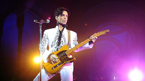 PHOTO:In this file photo, Prince performs at the Grand Palais in Paris, Oct. 11, 2009.