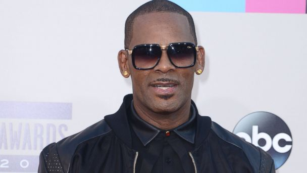 GTY r kelly jtm 140625 16x9 608 R. Kelly Reacts to Information His Teenage Child is Transgender