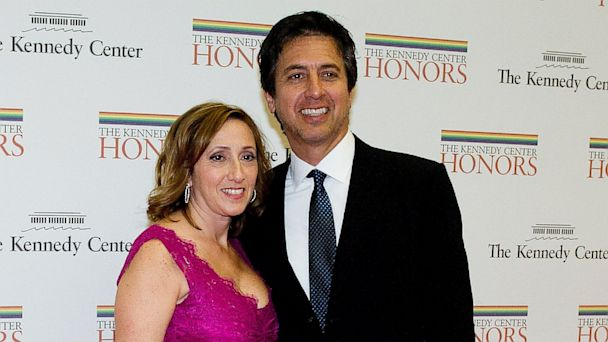PHOTO: Ray Romano and his wife, Anna