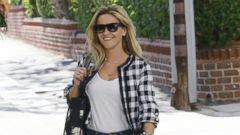 Reese Witherspoon Steps Out in Jeans and Stilettos