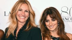 Julia Roberts and Penelope Cruz Get Close on the Red Carpet