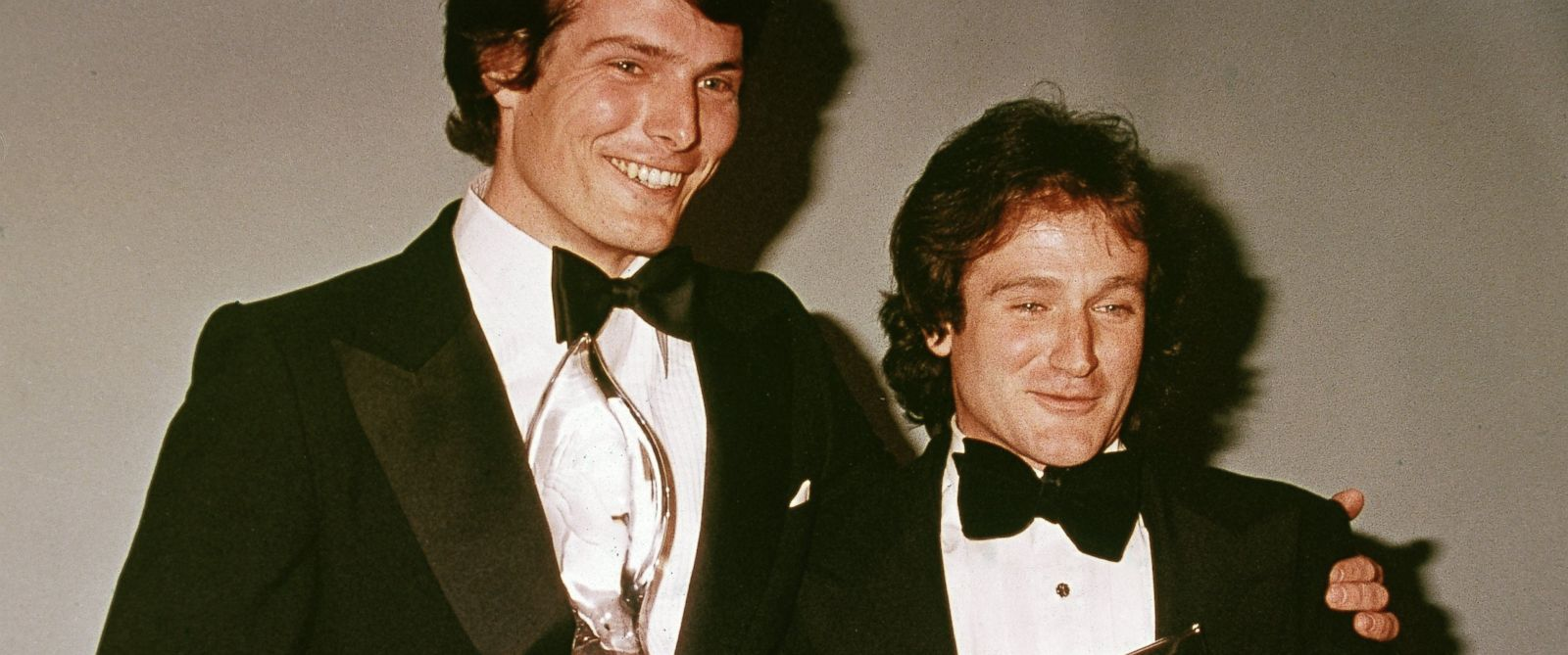 PHOTO: American actors Christopher Reeve (1952 - 2004) and Robin Williams pose backstage at the Peoples Choice Awards, in this March 1979, file photo.