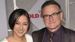 PHOTO: Zelda Williams, left, and Robin Williams, right, arrive at the Old Dogs premiere on Nov. 9, 2009 in Hollywood, Calif.