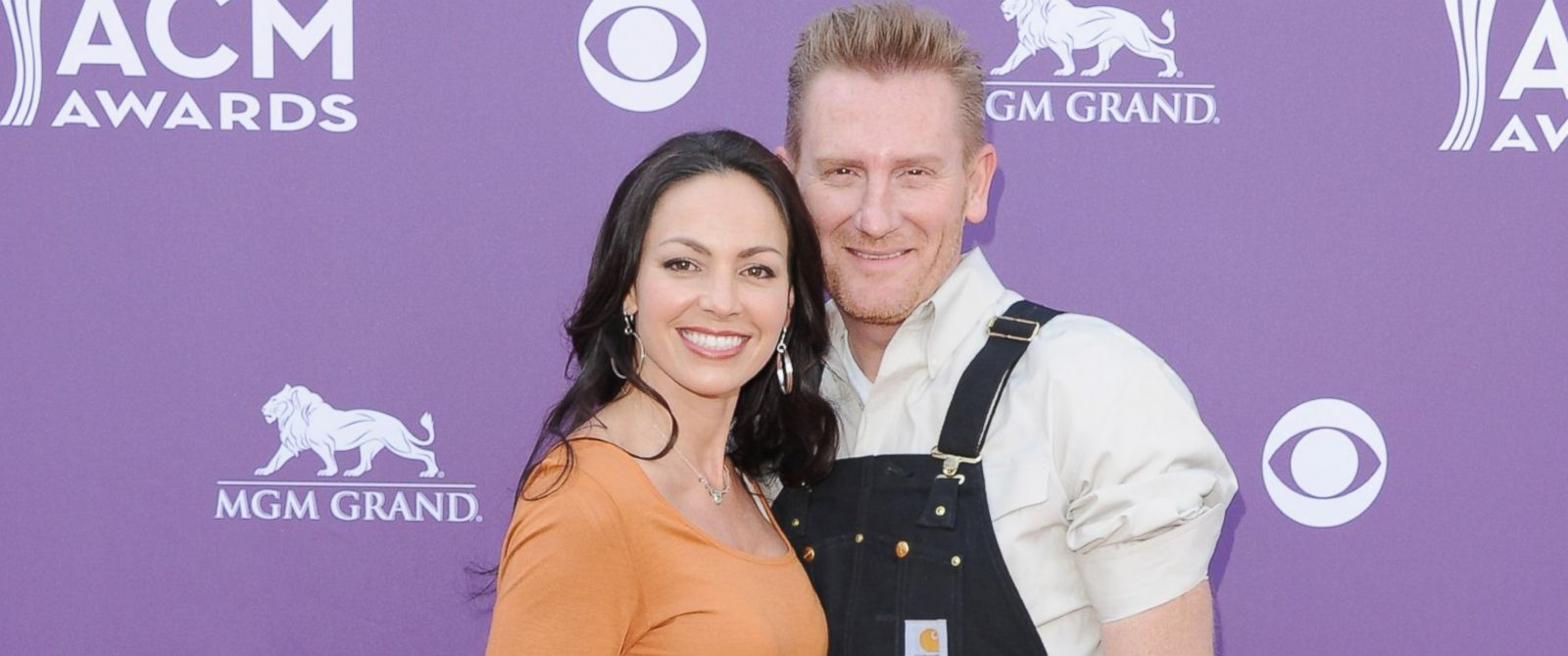 PHOTO: Singers Rory Lee Feek and Joey Martin Feek arrive at the 48th Annual Academy Of Country Music Awards in Las Vegas, Nevada, April 7, 2013.