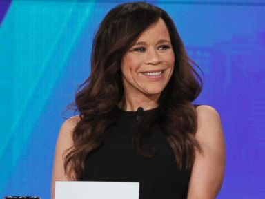 PHOTO: Rosie Perez is seen on The View, Nov. 25, 2014.