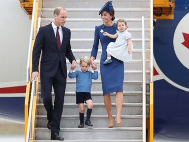 PHOTO: Prince William, Duke of Cambridge, Catherine, Duchess of Cambridge, Prince George of Cambridge and Princess Charlotte of Cambridge arrive at the Victoria Airport, Sept. 24, 2016 in Victoria, Canada.