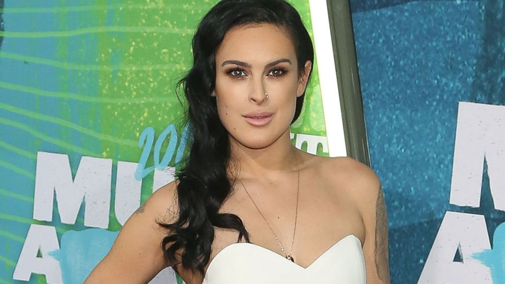 how tall is rumer willis