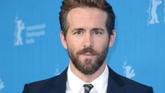 See Ryan Reynolds as a Seductive Deadpool