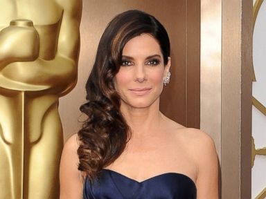 Sandra Bullock Advises Graduates Not to Worry ... Or Pick Their Noses