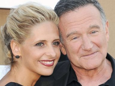 PHOTO: Robin Williams and Sarah Michelle Gellar arrive at the CBS/CW/Showtime Television Critic Associations summer press tour party at 9900 Wilshire Blvd, July 29, 2013, in Beverly Hills, Calif.