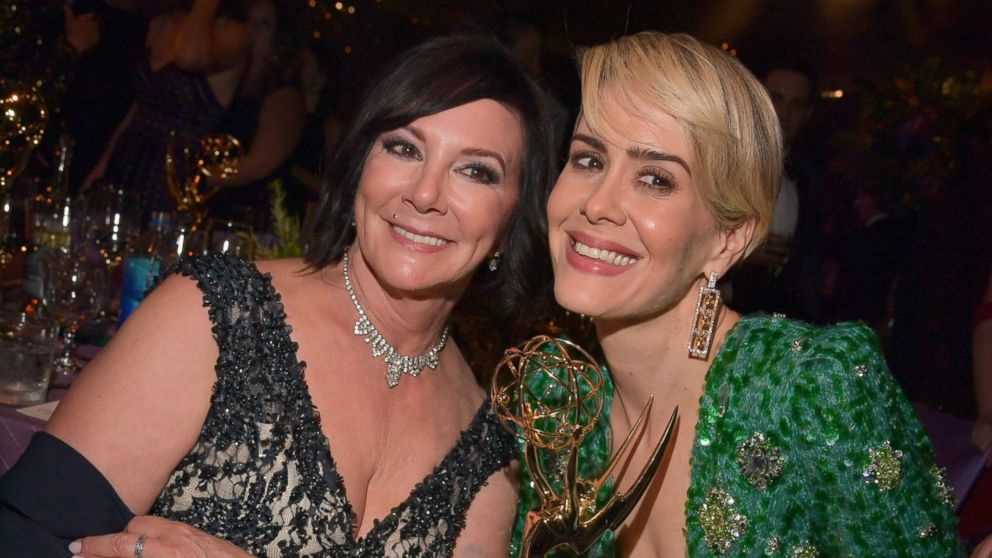 inside sarah paulson s emmy night with marcia clark   abc news