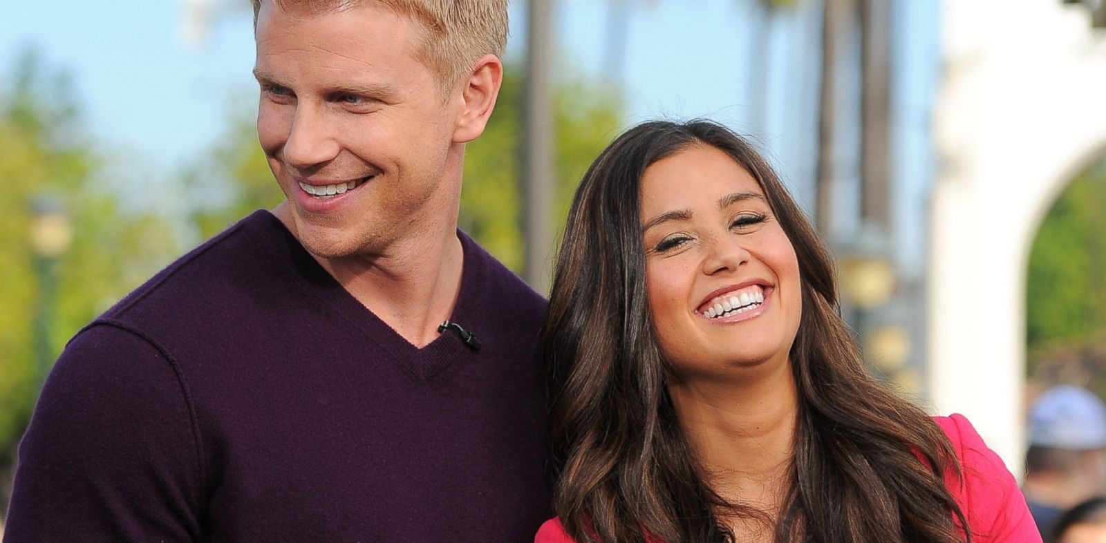 "PHOTO: Sean Lowe, left, and Catherine Giudici visit ""Extra"" at Universal Studios Hollywood on Jan. 23, 2014 in Universal City, Calif."