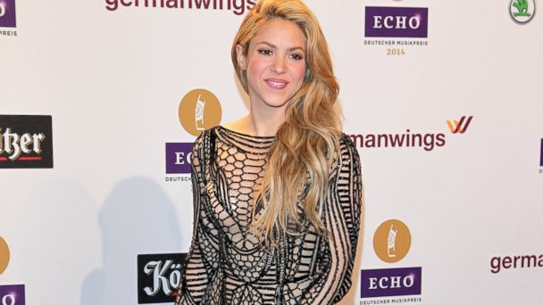 PHOTO: Shakira poses on the red carpet prior the Echo award 2014 at Messe Berlin, March 27, 2014, in Berlin.