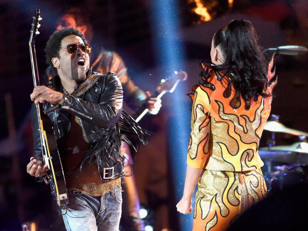 Katy Perry al Super Bowl 2015 con Lenny Kravitz e Missy Elliot 2