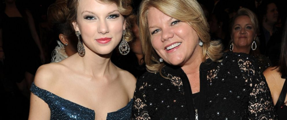 PHOTO: Taylor Swift and her mother attend the 52nd Annual GRAMMY Awards held at Staples Center in this Jan. 31, 2010 file photo in Los Angeles.