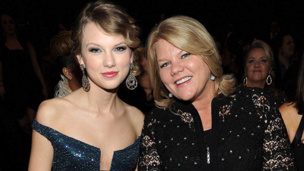Taylor Swift mom cancer
