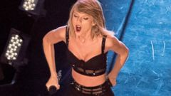 Taylor Swift Belts It Out
