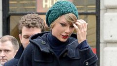 How Taylor Swift Stays Stylish In Cold Weather