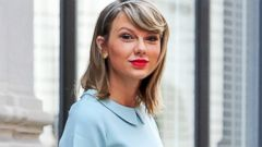 Taylor Swift Makes a Bright Appearance in NYC