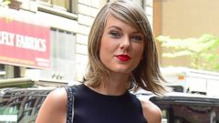 Taylor Swift Steps Out In Hot Pants