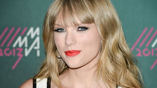 GTY taylor swift nt 130812 16x9 608 Taylor Swifts Bucket List: Get a College Degree