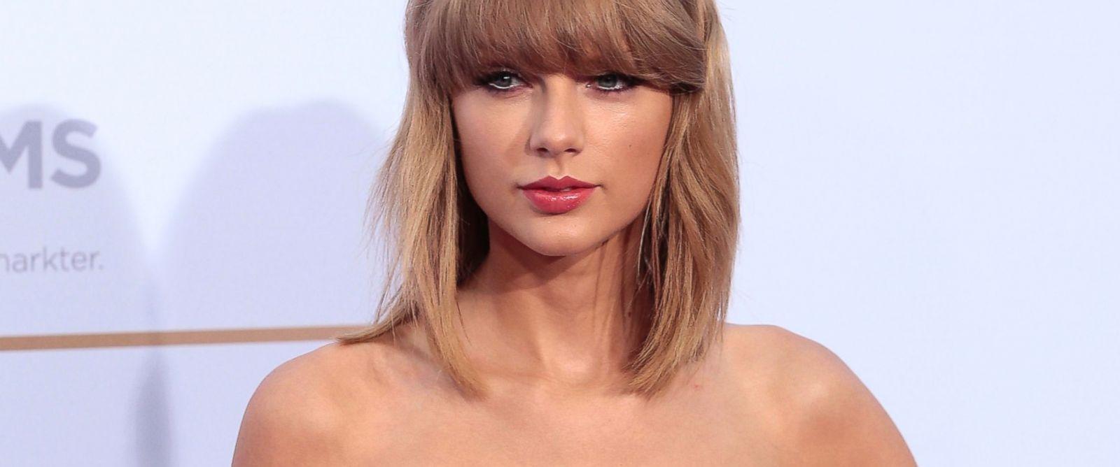 "PHOTO: Taylor Swift poses before the ""Deutscher Radiopreis 2014,"" Sept. 4, 2014, in Hamburg, Germany."