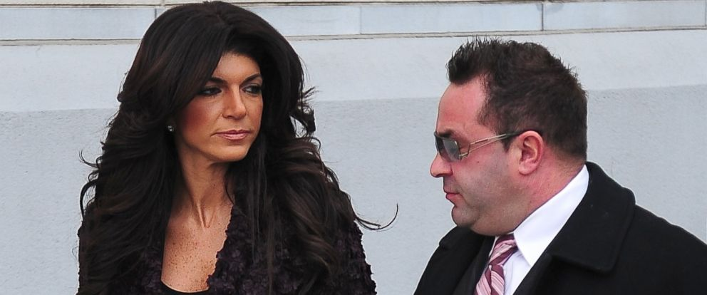 PHOTO: Teresa Giudice and Joe Giudice are seen outside a federal criminal court, where they face mortgage and bankruptcy fraud charges, March 4, 2014, in Newark, New Jersey.