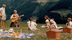 PHOTO: Julie Andrews performs in the movie