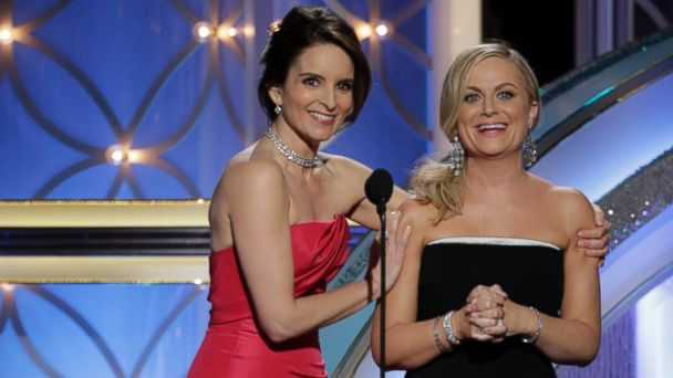 GTY tina fey amy poehler jtm 141201 16x9 608 Tina Fey and Amy Poehler Talk Fashion in New Golden Globes 2015 Promo