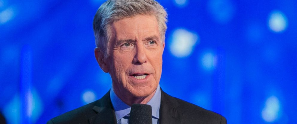 "PHOTO: Tom Bergeron, hosts ""Dancing with the Stars"" episode 2109 on Nov. 9, 2015."