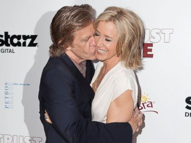 Photos: William H. Macy Gives Wife Felicity Huffman a Smooch