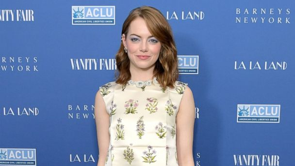PHOTO: Emma Stone attends Vanity Fair and Barneys New York Private Dinner in Celebration of