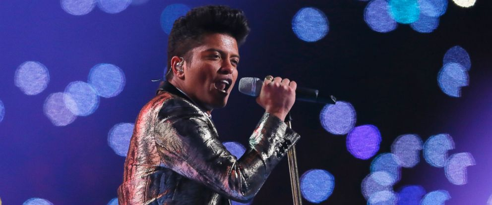 PHOTO: Bruno Mars performs during the Pepsi Super Bowl XLVIII Halftime Show at MetLife Stadium on Feb. 2, 2014 in East Rutherford, N.J.